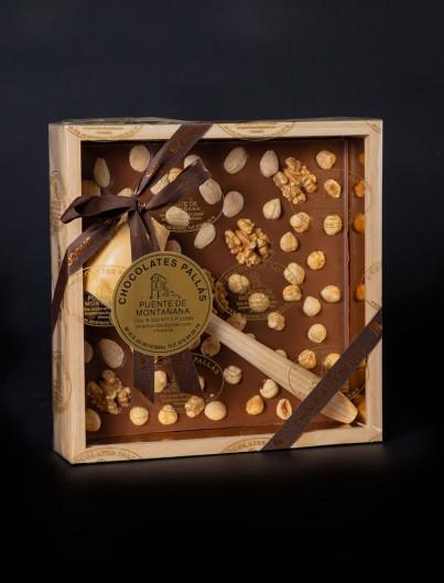 Caja de Madera con Martillo de Chocolates Pallás