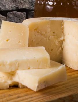 Queso de Vaca Curado Macizo Cotiella